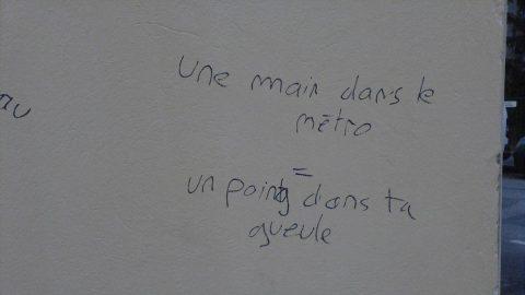 Elle se fait emmerder sans cesse - Crédit photo izart.fr